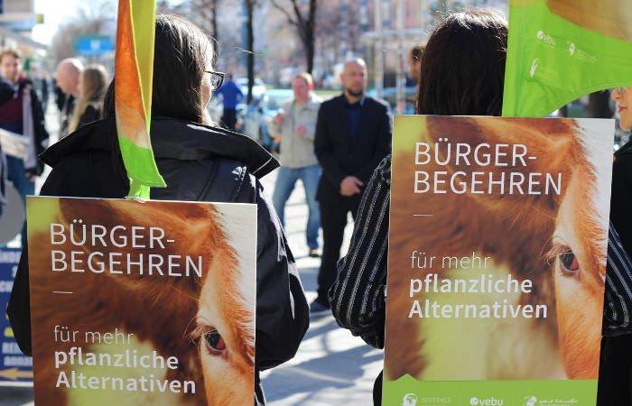 06-03 Sentience Berlin initiative hand-in