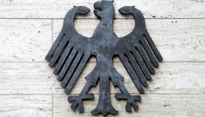 [Bild: Bundesadler_Peter-Probst-shutterstock-14...00x400.jpg]