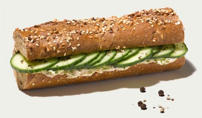 Veganes Frischkäse-Finlandaise mit Gurken von Le Crobag