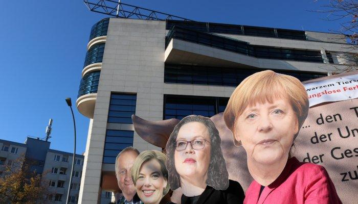 Direkt vor der SPD-Parteizentrale