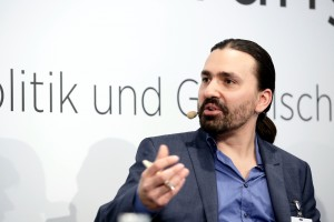 Konstantinos Tsilimekis beim Zukunftsdialog