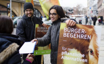 Bürgerbegehren: 9.500 Berliner wollen veganes Kantinenessen