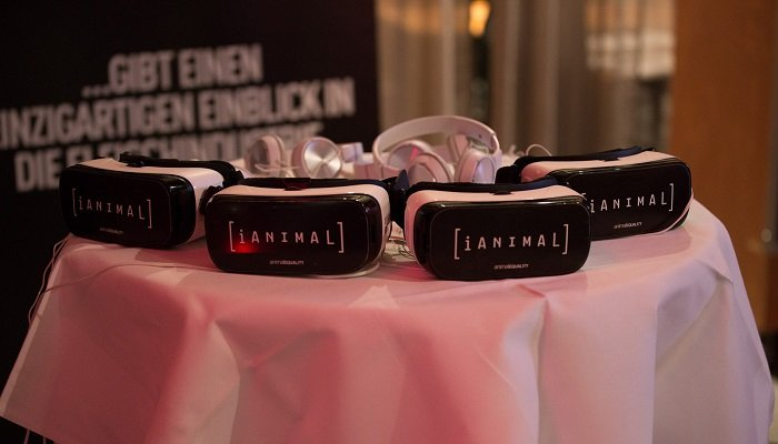 iAnimal-VR-Brillen auf Tisch